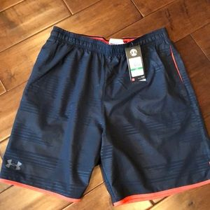 NWT Men's size L UA shorts